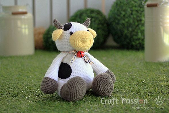 Amigurumi Free Patterns Cow : 25+ Best Ideas about Crochet Cow on Pinterest Cow ...