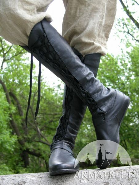 Medieval boots - leather fanatasy Forest boots from http://armstreet.com/store/footwear/medieval-fantasy-high-boots-forest# --- for Gwen or Syd?