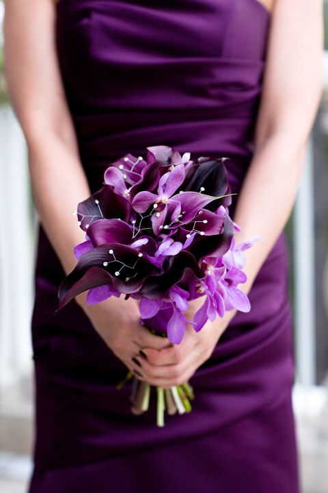 Purple wedding flower bouquet, bridal bouquet, wedding flowers, add pic source on comment and we will update it. www.myfloweraffai... can create this beautiful wedding flower look.