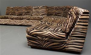 soffa i zebrarandig plysch - Sök på Google