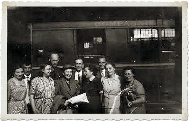 Skupina s vnučkou Ludvíka Lazara Zamenhofa  (dáma v klobouku).