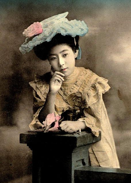 In the Meiji Era, Western fashion became more popular- especially among the well-to-do and fashionistas such as geisha.