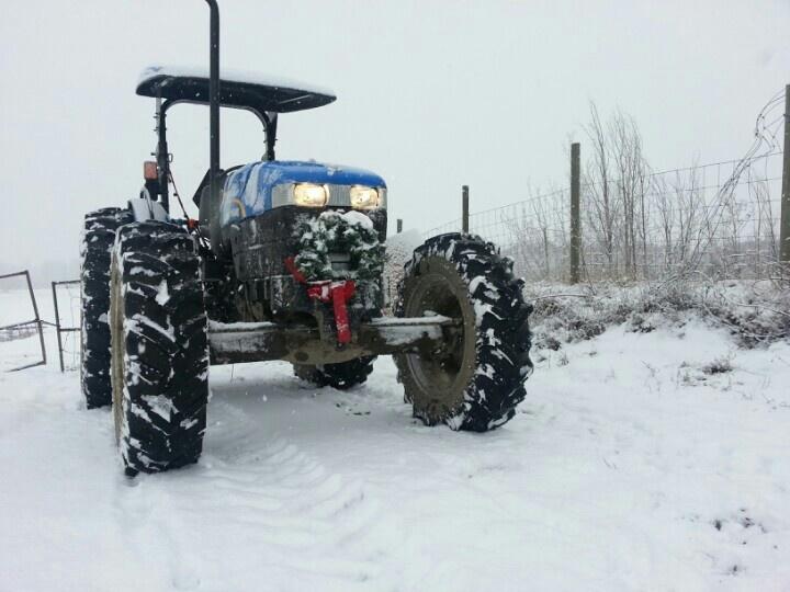 Hayride tractor at McMillan Farms.