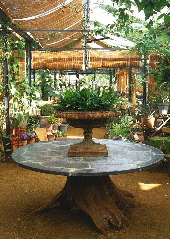 Great Idea, Tree Trunk as base to a table