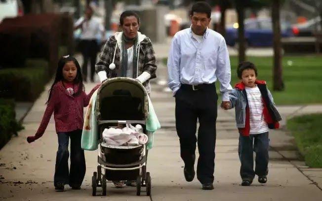 Obama enfurece Partido Republicano com ordem que evitaria 5 milhões de deportações.