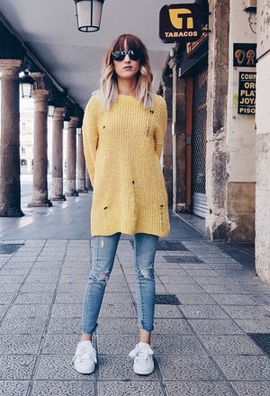 Look by @islaskarla with #sneakers #primark #jeans #denim #lefties #sueter #sweaters #oversize #yellow #whitesneakers #knit #college #puma #glasses #rippedjeans #yellowsweaters #turquoisepants.