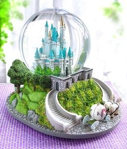 25th anniversary snow globe | available at snowglobemonster.com