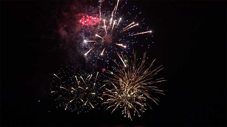 New Year fireworks over #Truro in Cornwall. These fireworks have become a tradition and are fired from the sports field of Truro school. Filmed by http://www.visionsuk.co.uk #ChristmasLights
