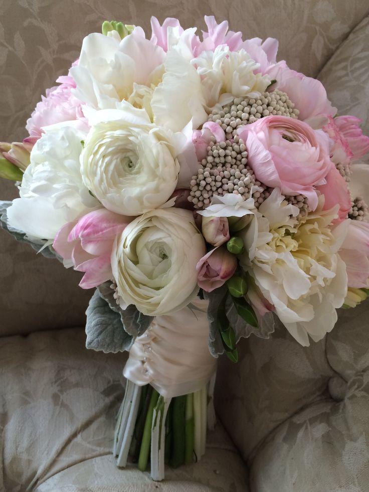 Flowers by In Full Bloom LLC