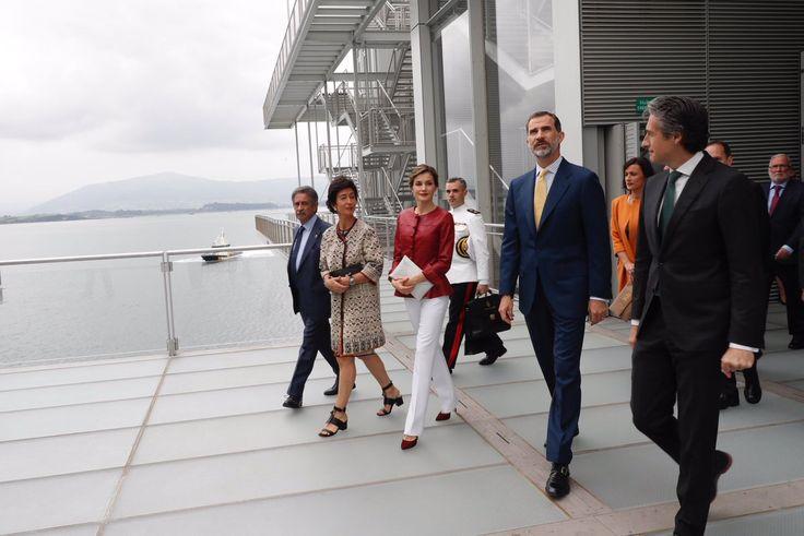 Le roi Felipe et la reine Letizia étaient à Santander où ils ont inauguré un centre d'art de la fondation Botin. ...
