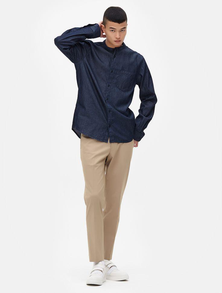 내추럴한 인디고 소재의 스탠드 칼라 데님 셔츠. 베이직한 디자인으로 단독으로 입거나 이너와 함께 매치하여 스타일링 가능한 아이템.