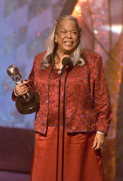 Singer, songwriter, and Touched By An Angel star Della Reese has passed away at 86.  As she is mourned by her friends and family, she's also remembered by fans for her many contributions.  And her former costar broke the news.     Actress Roma Downey, who...