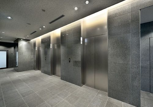 乗用24人乗りエレベーター・3階ホール