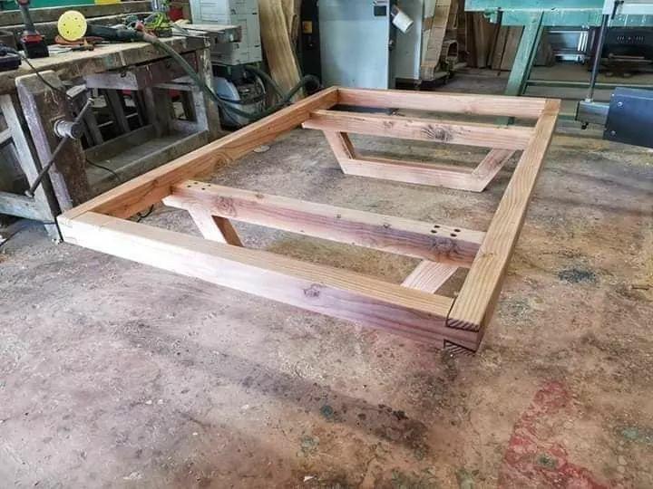 Pin By Joe On Habitaciones In 2020 Wooden Bed Design Wooden Bed Frame Diy Floating Bed Diy