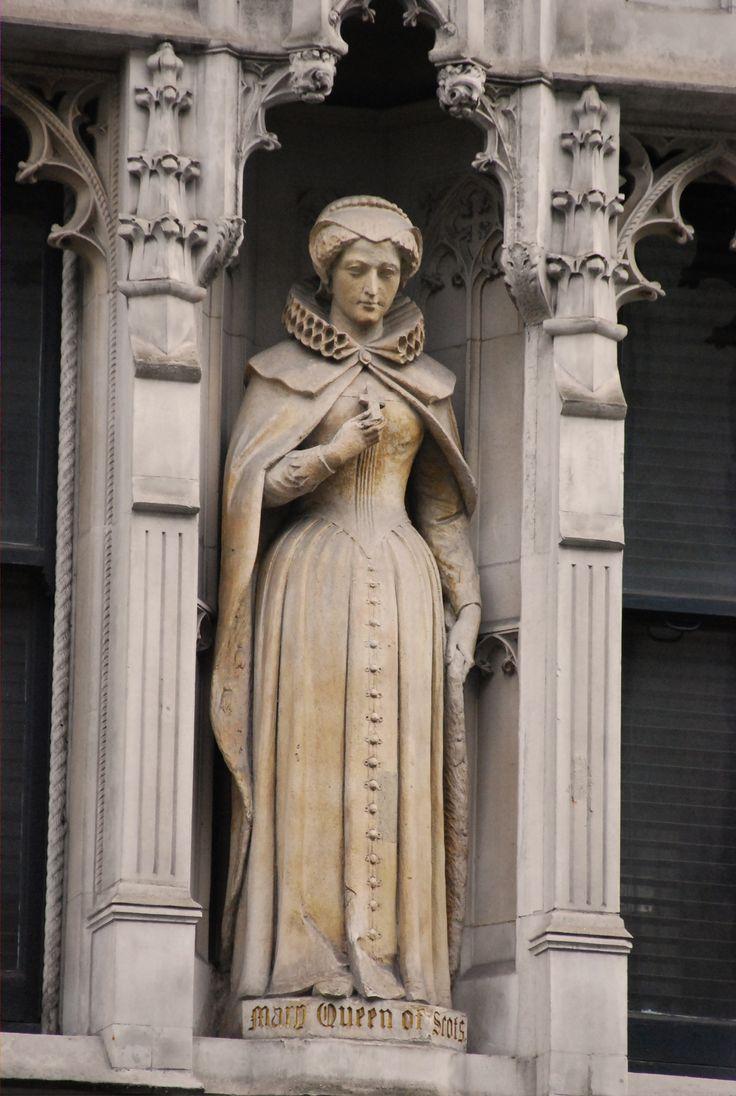 Statue of Mary, Queen of Scots. In 143-144 Fleet Street, London.