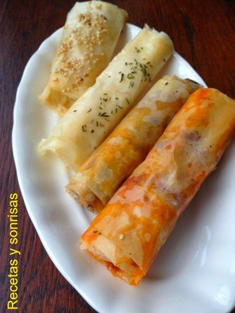 Rollitos variados de pasta filo. Ideales para aperitivo. De Gorgonzola y pera, manzana, butifarra negra y piñones, queso cabra y miel o sobrasada y miel. Receta paso a paso http://recetasysonrisas.blogspot.com.es/2014/12/rollitos-de-pasta-filo-variados.html #food #recipe #receta #cheese #queso #sobrasada#comida #Navidad #aperitivo #christmas #filo