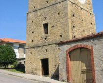 Torre del reloj, en Noreña, Asturias.