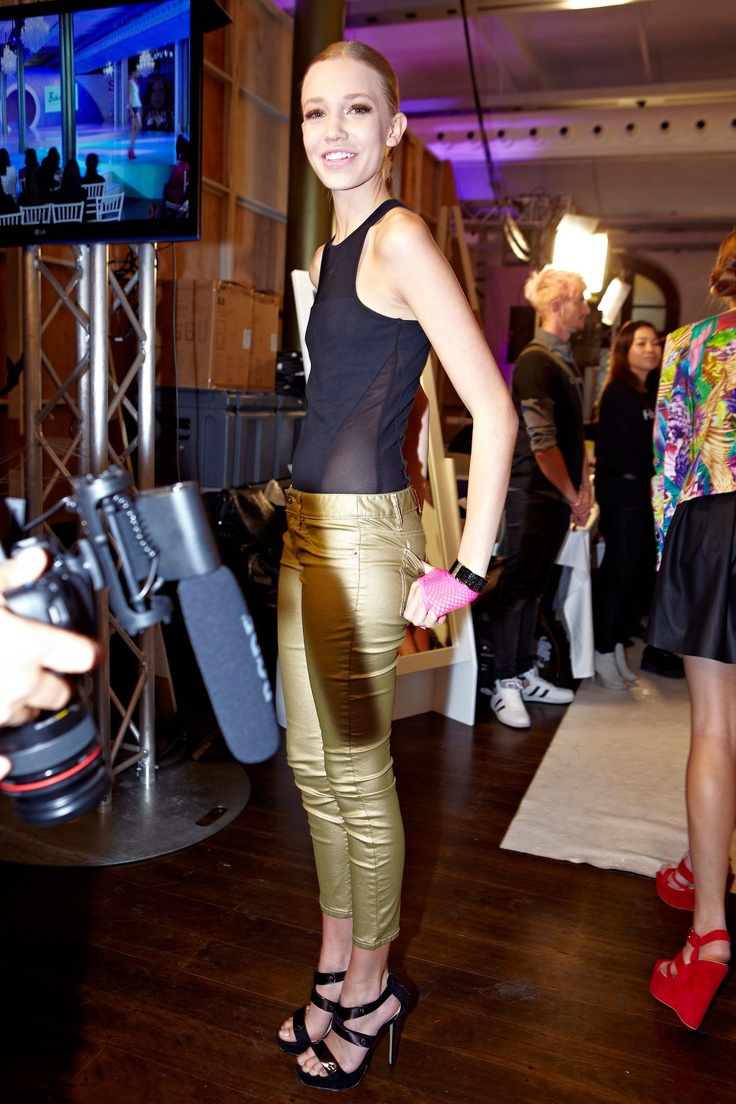 Sweet as pie backstage in Bardot Gold metallic jeans @ 30 days of Fashion & Beauty