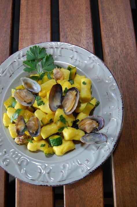 gnocchi-ricotta-vongole-zucchine-e-zafferano senza glutine