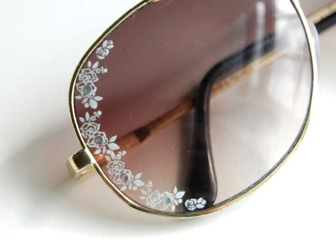 (studs and pearls): diy: Lace Aviator Sunglasses - DIY Lace Aviators by Dior for less than 10 bucks!