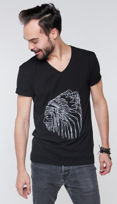 Вышивка на футболках на заказ, стоимость от 2000р. Работа для бренда G.CARDINAL