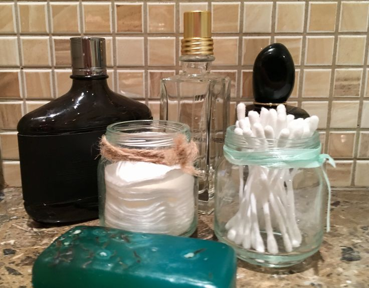 This is how you can use empty small glass jars in your bathroom