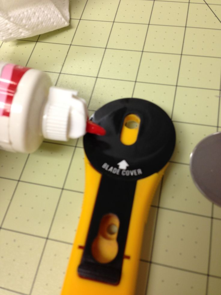 How to clean and oil your rotary cutter.