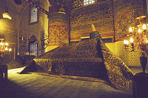 Things to see - Remains of Rumi (Konya)