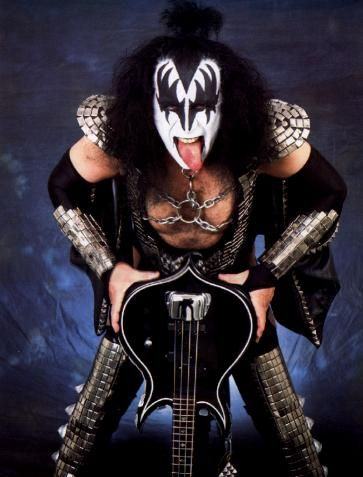 Gene Simmons - Rode in an elevator with this big guy! He graciously signed a few autographs.