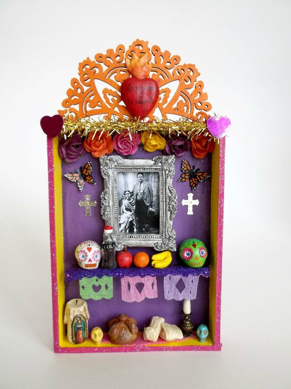 La Paloma y El Elefante Mini Altar Mexicano de Dia by LaCasaRoja