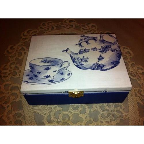 Shabby style tea box