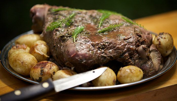 Venison with Wild herbs and potato http://gustotv.com/recipes/dinner/venison-with-wild-herbs-and-potato/