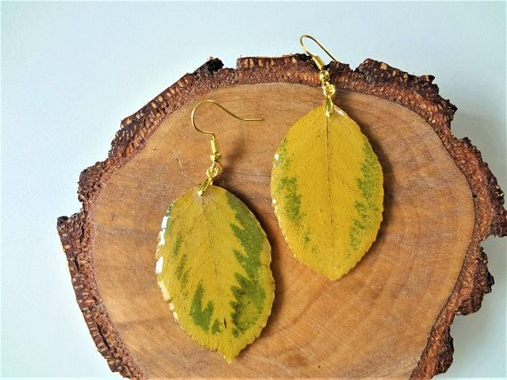 Real leaf ring nature lover gift green resin handmade jewelry
