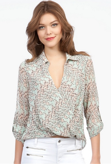 Printed Hi-Lo Twist Front Top #bebe #summer #musthaves