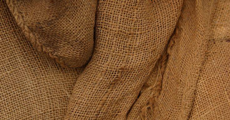 Ideias de acabamento rústico para paredes. Não importa quantos móveis antigos e desgastados você possui. Uma sala coberta de paredes lisas e modernas estraga a sensação de ambiente rústico. A remodelação não é a única solução quando você procura uma aparência uniforme. Opte por uma solução estética simples, como um acabamento rústico. É mais rápido, custa menos e é mais fácil de reverter ...
