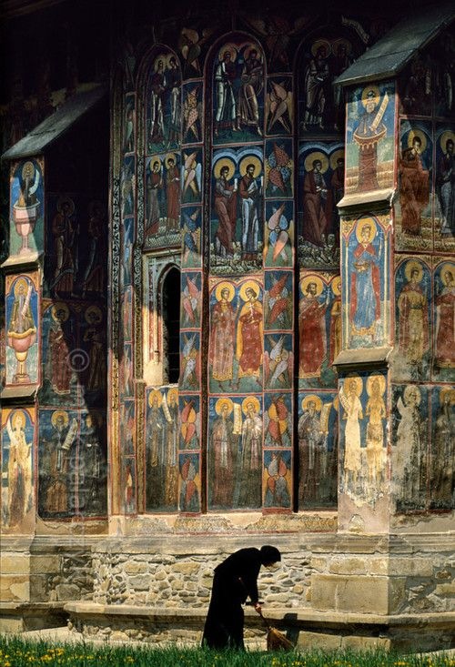A view of Moldovita Monestary, Romania. http://petitcabinetdecuriosites.tumblr.com/post/24964233164/muirgilsdream-a-view-of-moldovita-monestary