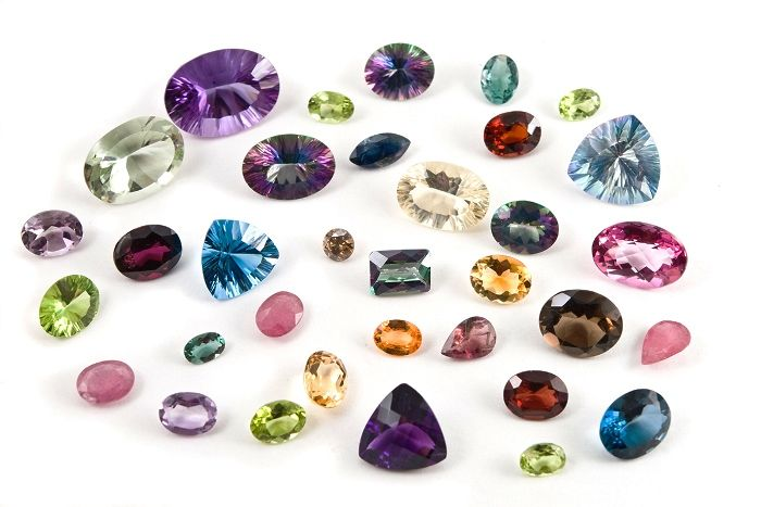 Loose diamonds can easily be found by searching for them on online when looking for diamond wholesalers or jewelry shops.