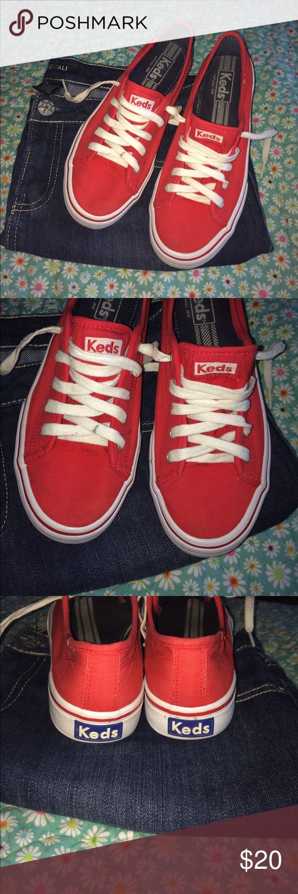 Keds sneakers 👟 Red Keds pre-loved in fabulous condition . Let me know if you have any questions 😁 Keds Shoes Sneakers