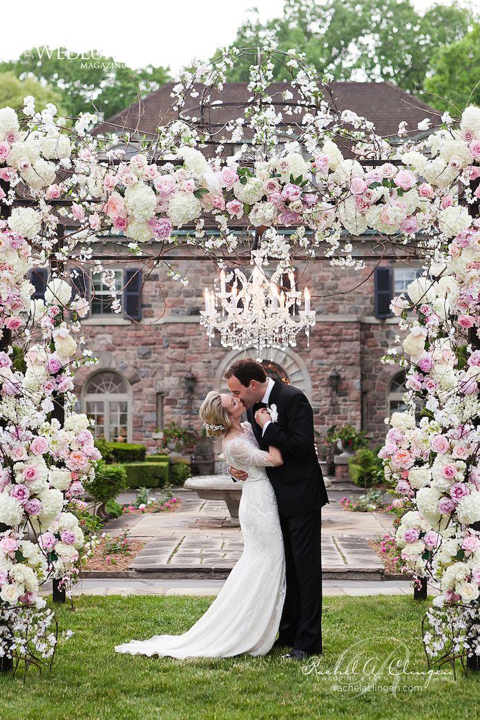 Jaw-Dropping Gorgeous Wedding Flower Ideas - wedding ceremony. Event Design: Rachel A. Clingen Wedding & Event Design; Photo: 5IVE15IFTEEN PHOTO COMPANY; Via Wedluxe
