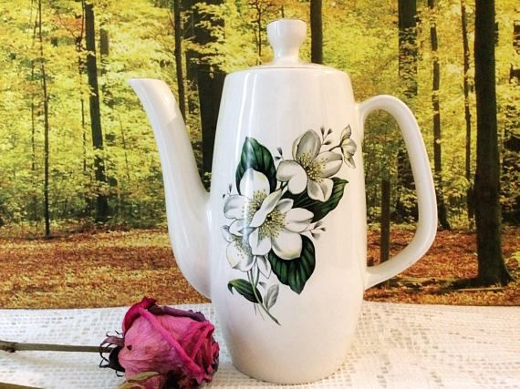 Vintage Sylvac coffee pot / Avon Hellebore Christmas Rose