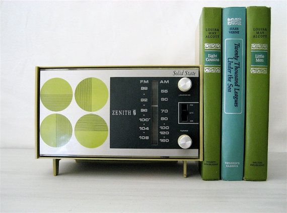 Vintage Zenith Radio Retro Style...fantastic piece!  #lifeinstyle #greenwithenvy