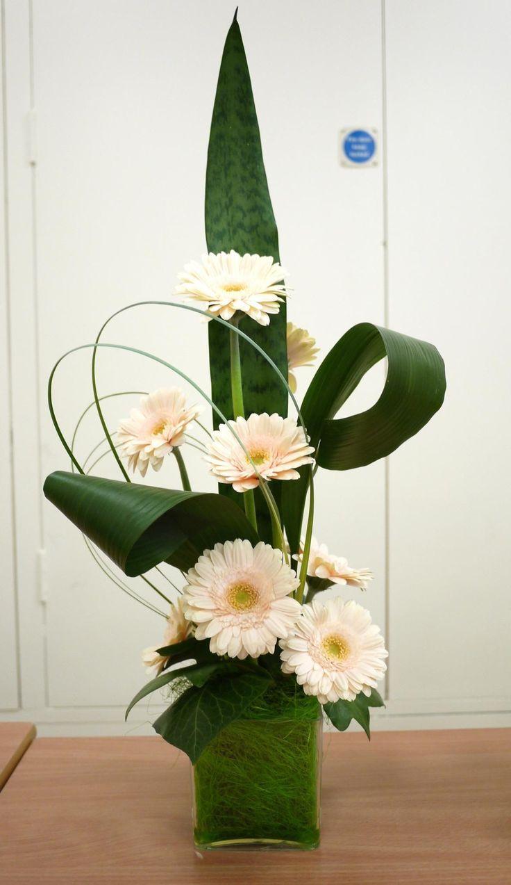 Pin By Karen Lim On Floral Arrangement Modern Flower