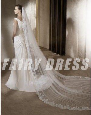 http://www.fairydress.fr/robe-de-mariee-a-ligne-col-en-v-volants-applique-traine-balayage.html