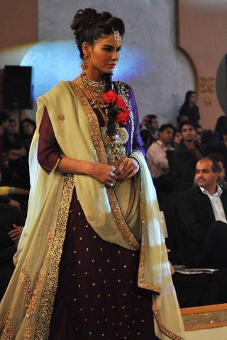 hajra hayat collection pantene bridal couture week