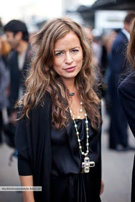 jade jagger effortless style