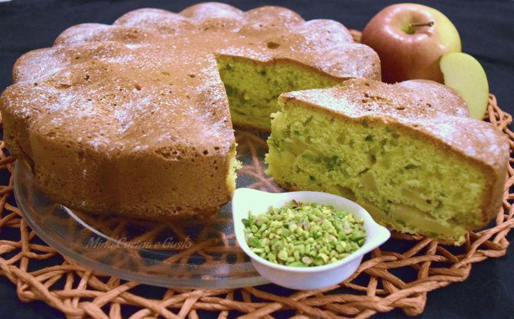 Torta di mele e pistacchi golosa - Mind Cucina e Gusto