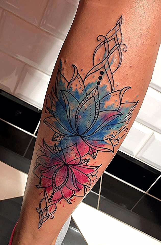 Westend Tattoo Wien Tattoo Linework Tattoo Lotusflower Tattoo Watercolor Tattoo Watercolor Mandala Lotus Tat Line Work Tattoo Leg Tattoos Feather Tattoos