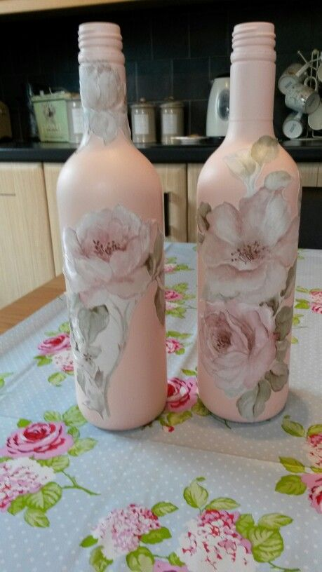 Decoupaged bottles. Shabby chic. Vintage.
