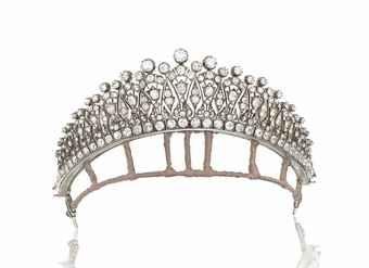 A LATE 19TH CENTURY DIAMOND TIARA