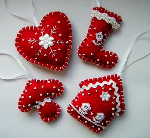 Felt Christmas Ornament. Piros karácsonyfadísz filcből, Otthon, lakberendezés, Dekoráció, Karácsonyi, adventi apróságok, Karácsonyfadísz, Meska.